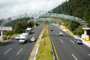 Accidente en la autopista México-Toluca 1